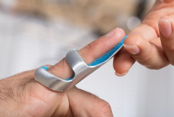 Deget în ciocan / Mallet finger